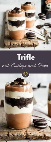 for dessert 'n liqueur: trifle with baileys and oreo   - essen -And for dessert 'n liqueur: trifle with baileys and oreo   - essen -