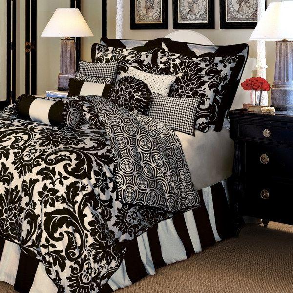Damask Style Bedroom: Black And White Damask Bedding
