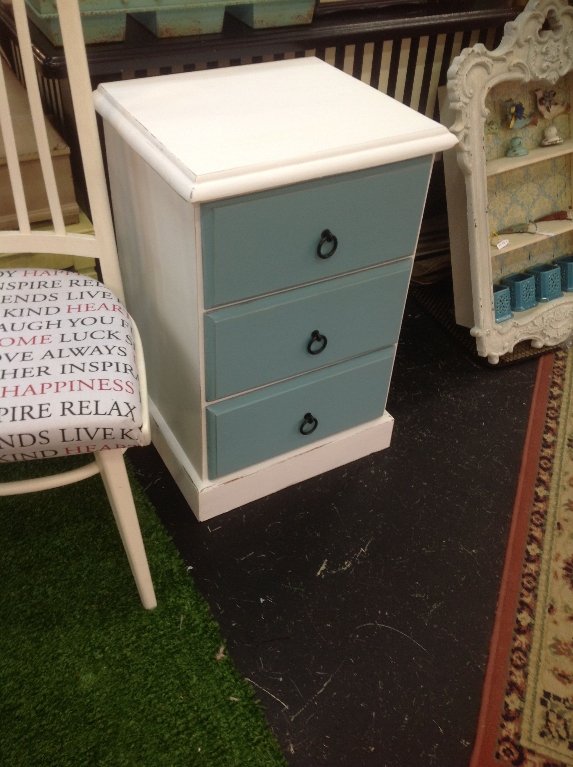 Best Upcycled Bedside Table Bedroom In 2019 Bedside Lockers 400 x 300