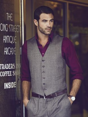 ummm this is probably the most beautiful man that has ever existed, and i really want to copy that outfit.