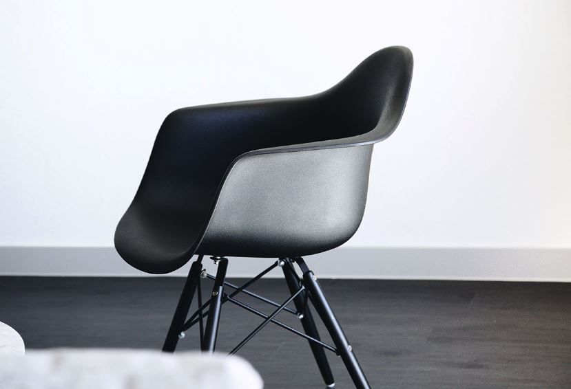 Remarkable What Is An Eames Chair 3 Things You Need To Know Lakeland Gamerscity Chair Design For Home Gamerscityorg