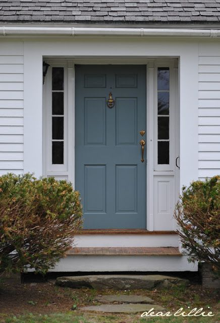 Paint color templeton gray benjamin moore 39 s exterior - Door colors for gray house ...