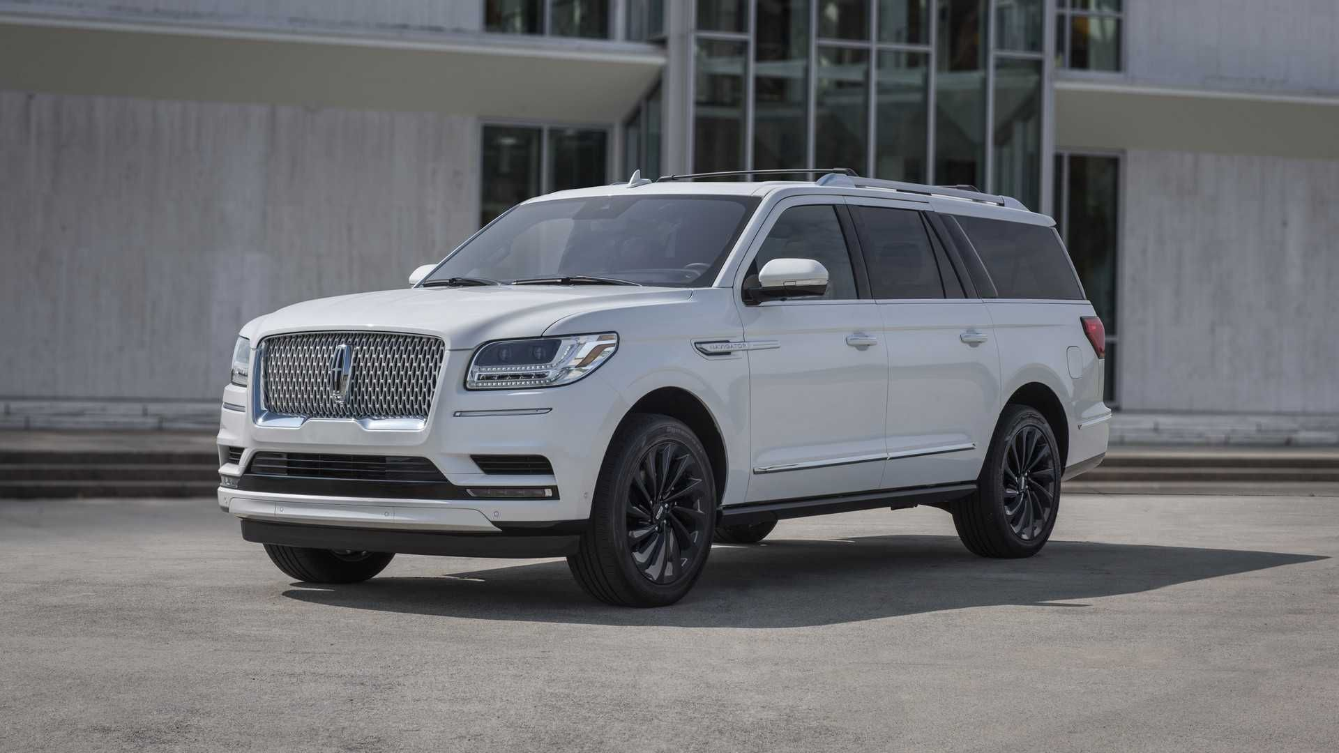 The 2020 Lincoln Navigator luxury SUV brings more standard