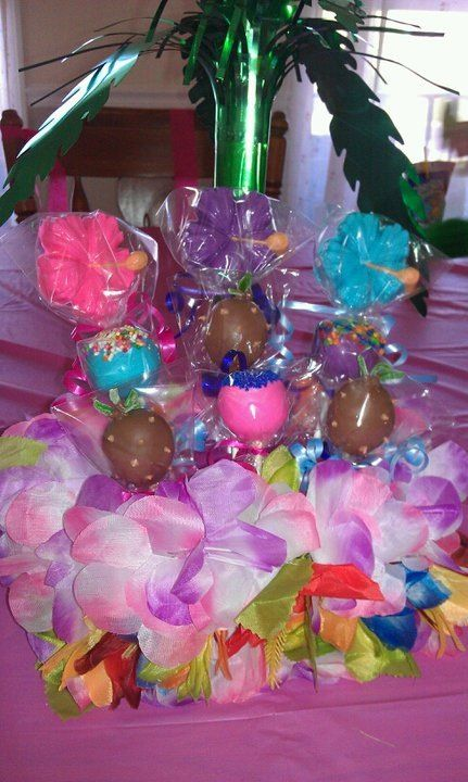 Cake pops, chocolate pops and marshmallow pops