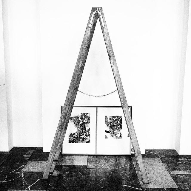 Zapraszamy na wystawę temper rysunku i grafiki Franciszka Bunscha która będzie otwarta od 4 do 27 września. Wystawę jeszcze montujemy ale spokojnie ... jutro będzie wszystko gotowe #art #blackandwhite #bunsch #gallery #galeriaCentrum #nck #encek #wernisaż #rysunek #grafika #drabina #kulturakrk #nowahuta #cracow