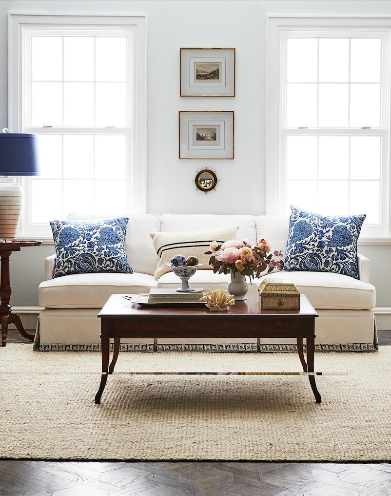 simple and elegant  the perfect classic coastal living room design