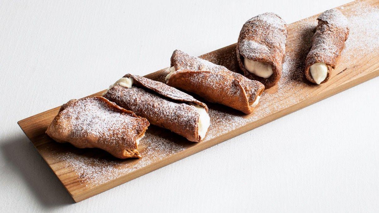 Cannolis classiques | Recipe | CUISINONS DESSERTS ...