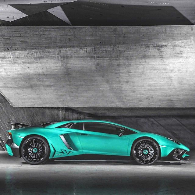 Lamborghini Aventador SV... Like The Color Palette And The