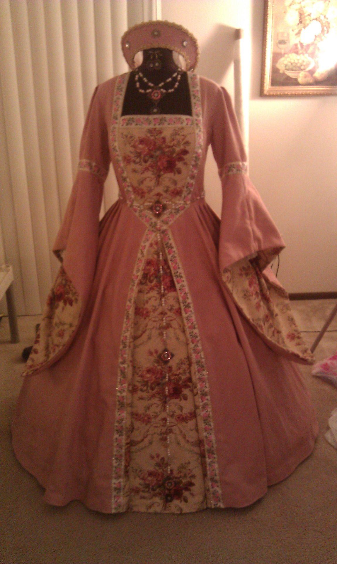 Tudor Costume Historical Dresses Renaissance Fashion Tudor Fashion [ 1920 x 1150 Pixel ]