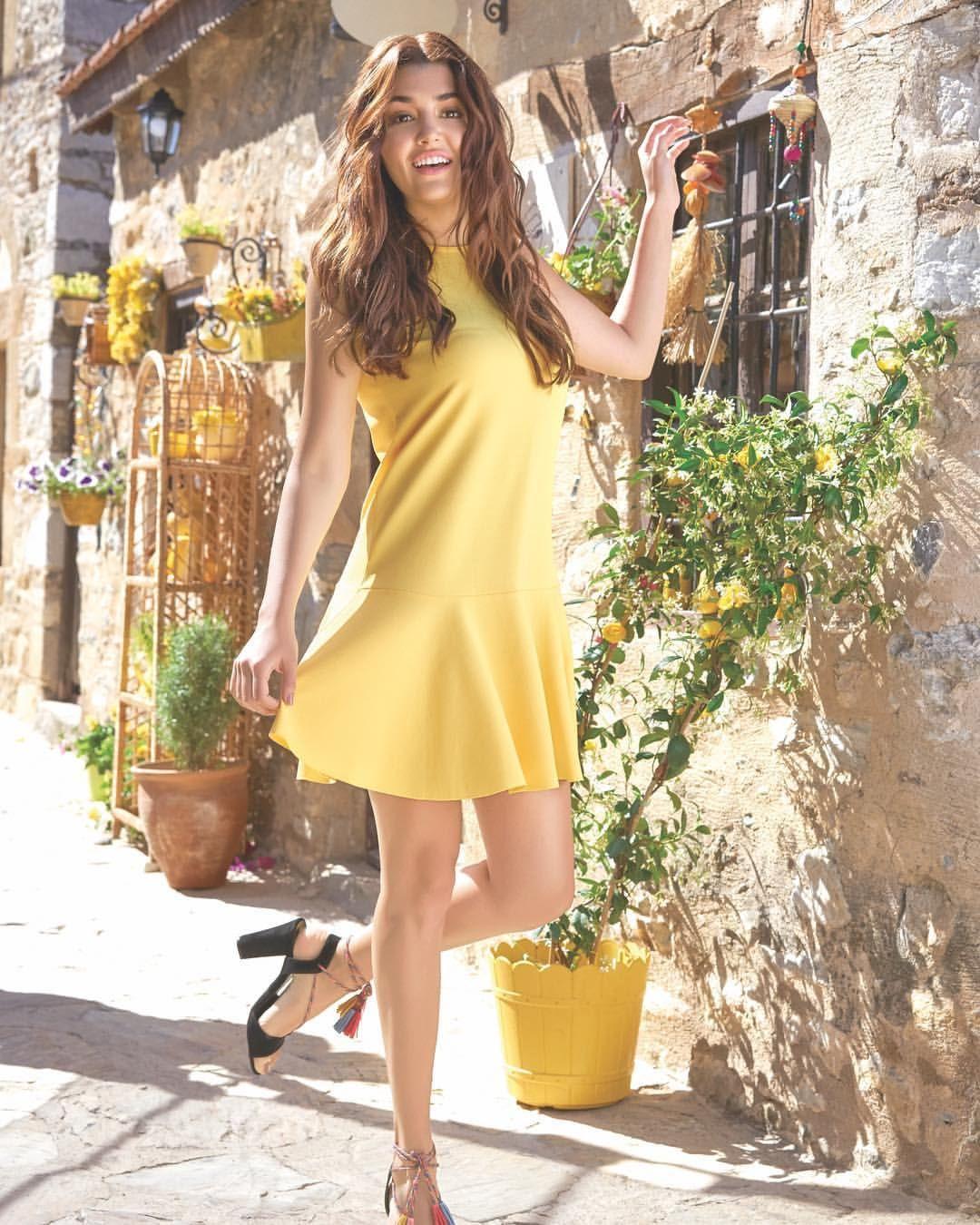 14 3k Likes 204 Comments Defacto Defactoofficial On Instagram Bizler De Sizin Kadar Heyecanliyiz Yeni R Hande Ercel Photography Poses Women Actresses