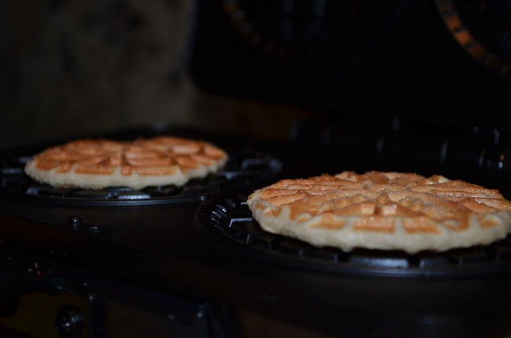 recipe how to make your own honey stinger waffles at home  stroopwafel recipe waffles waffle