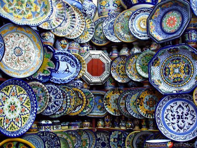 Loza de Talavera Puebla   Cerámica de talavera, Decoracion estilo mexicano,  Artesanía mexicana