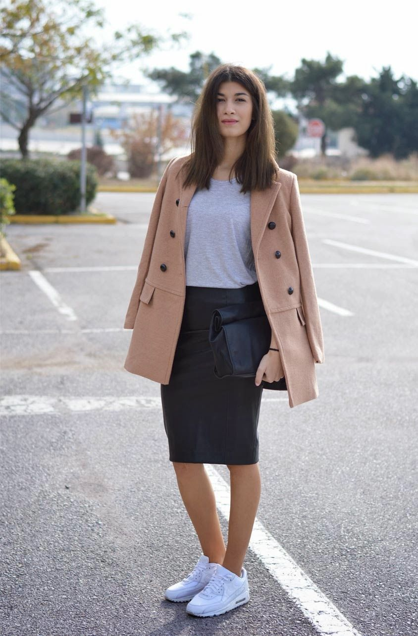 I love the sporty chic | The Blossom Girls: Camel Coat