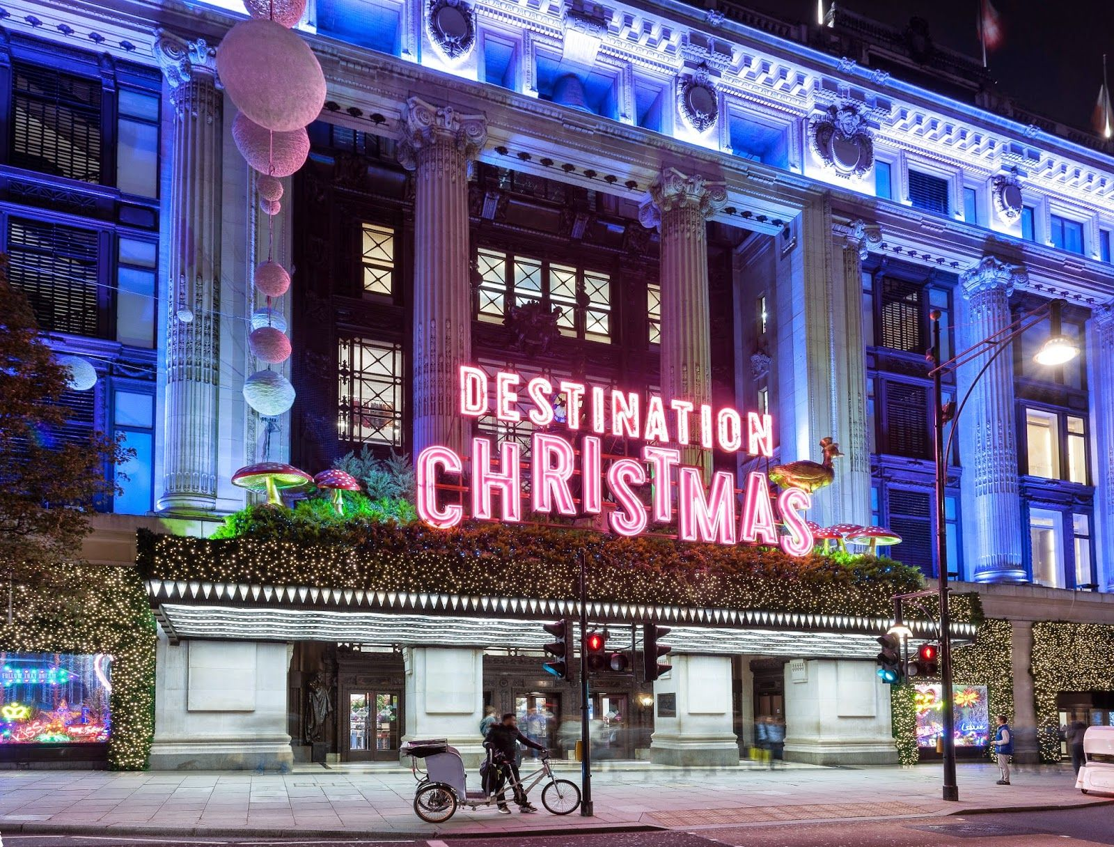 Selfridges+Destination+Christmas+Canopy_Credit+Andrew+Meredith_Press+Site.jpg (1600×1216)