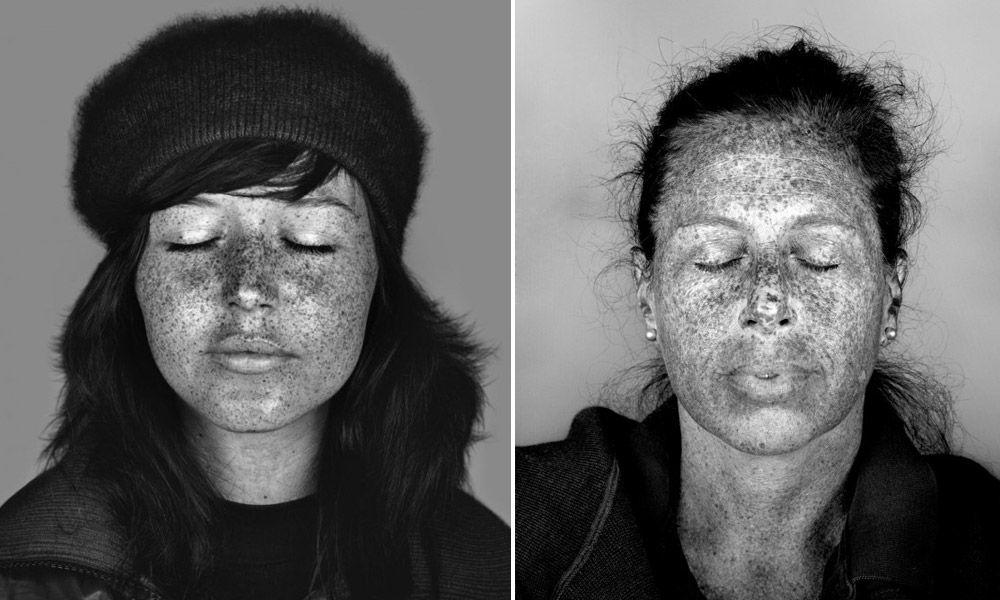 Retratos realizados com luz ultravioleta