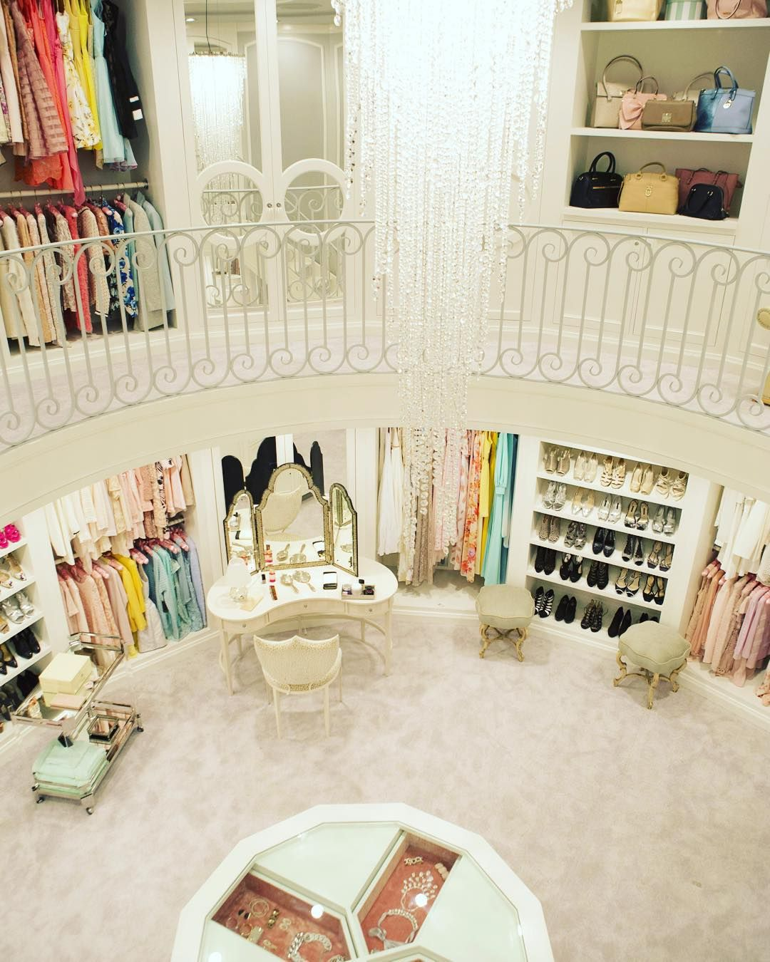 Merveilleux The Dream Closet! Two Stories And Multiple Accessory Closets? YES PLEASE!