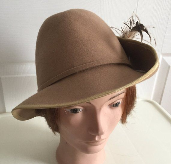 80s Cream wool beret women hat medium 10 1 2 inches Beatnik Look! by  LoukiesWorld on Etsy  73defd52e659