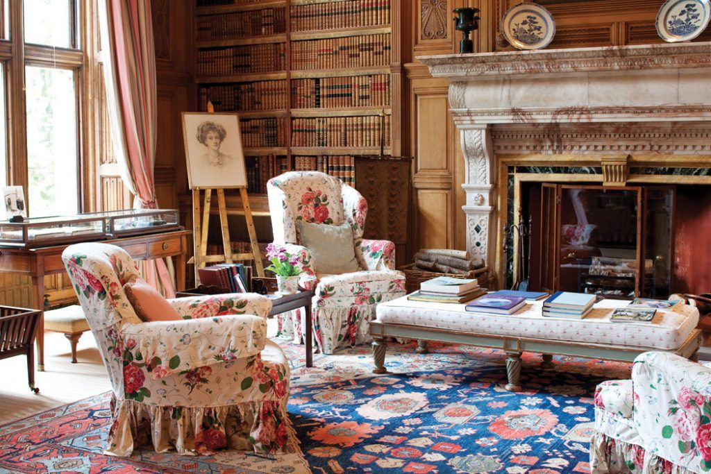 Room Of The Day ~ Classic Chintz Slipcovers In English Library. Roses And  Pansies Chintz. Colefax And Fowler.