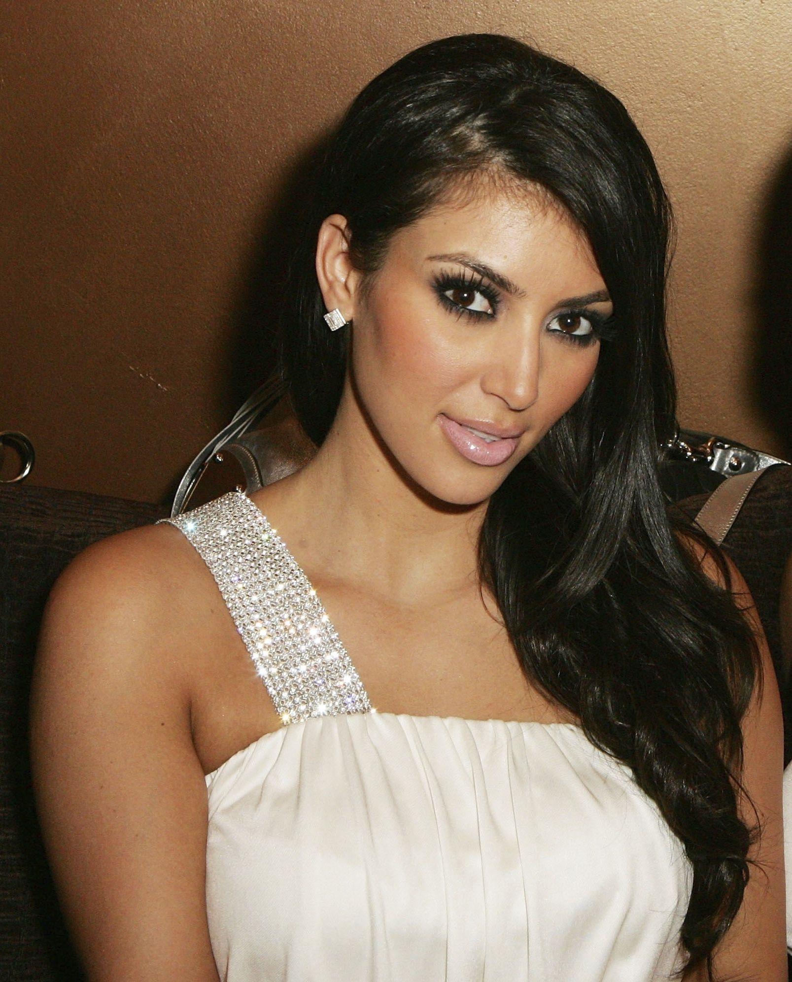 Kim Kardashian Hair Makeup Kim Kardashian Makeup Kim Kardashian Hair Celebrity Fashion Looks