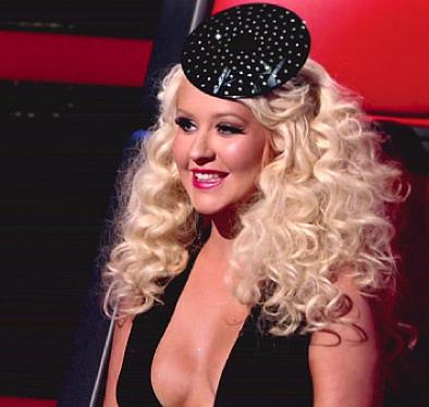 Christina Aguilera: #famous #fascinator