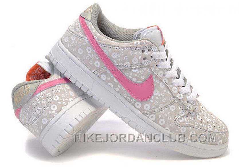 buy popular 9457f 0635e Find this Pin and more on Dunk Low. Nike womens running shoes ...