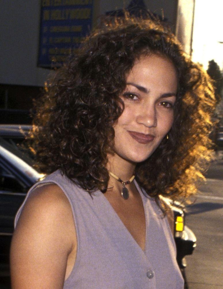 Jennifer Lopez 1994 Curly Hair Styles Jennifer Lopez Hair Jennifer Lopez