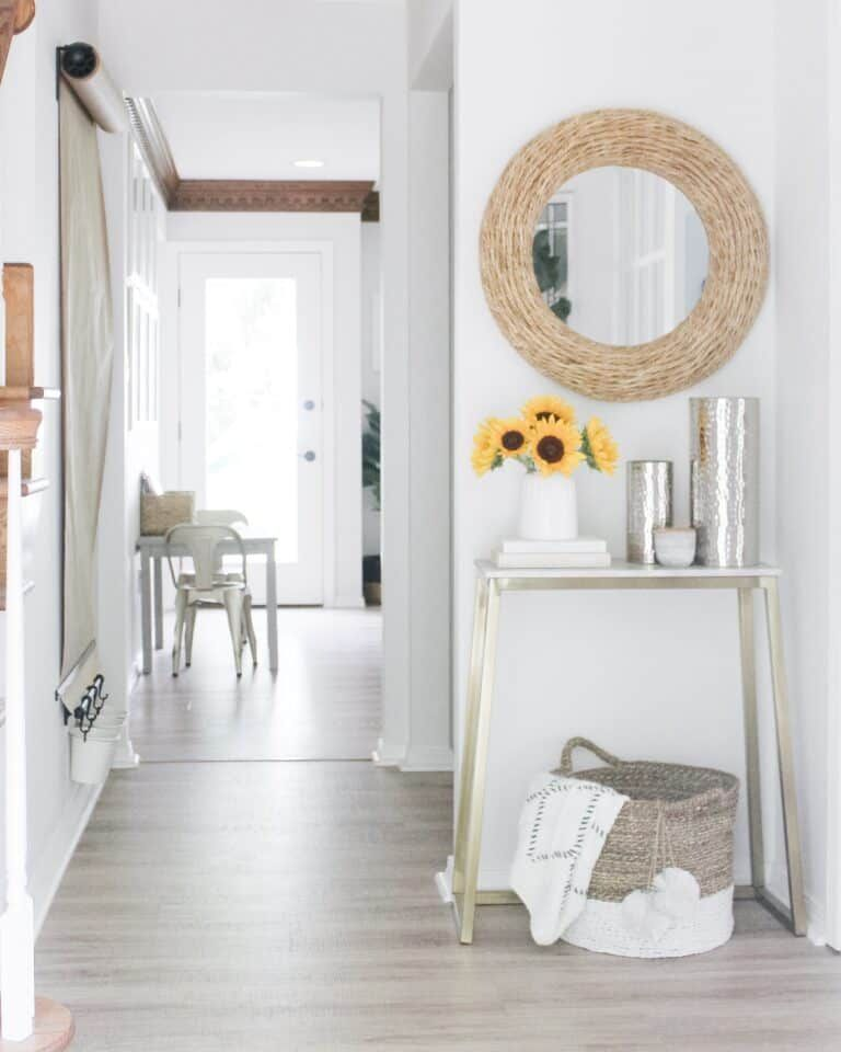 Diy wall mounted easel arinsolangeathome in 2020 decor