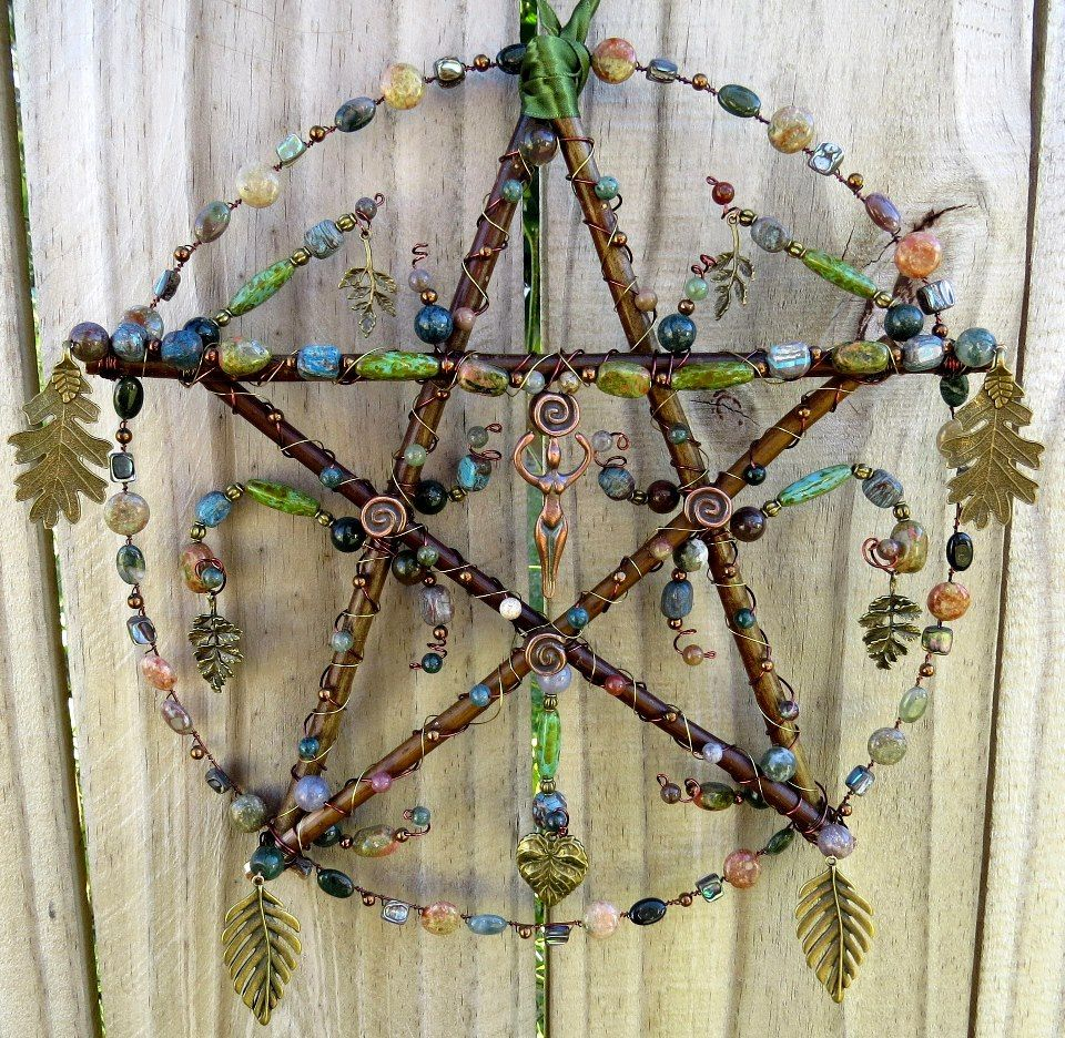 Pentakel / Pentagram Fensterhänger oder für die Tür, mit Naturmaterial und Perlen selbstgemacht
