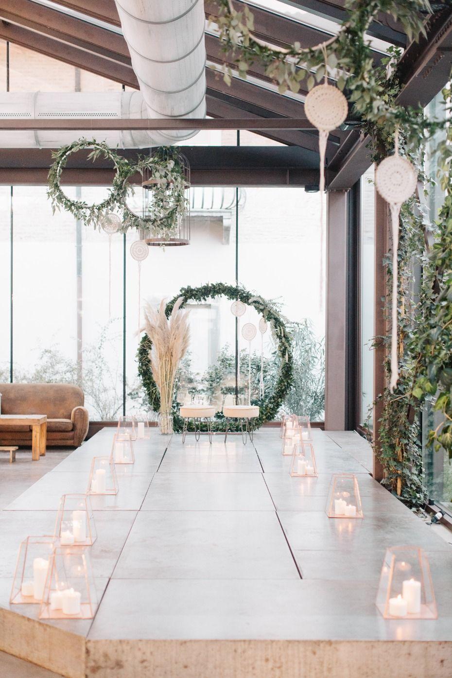 Modern boho ceremony decor | Wedding | Wedding Ceremony ...