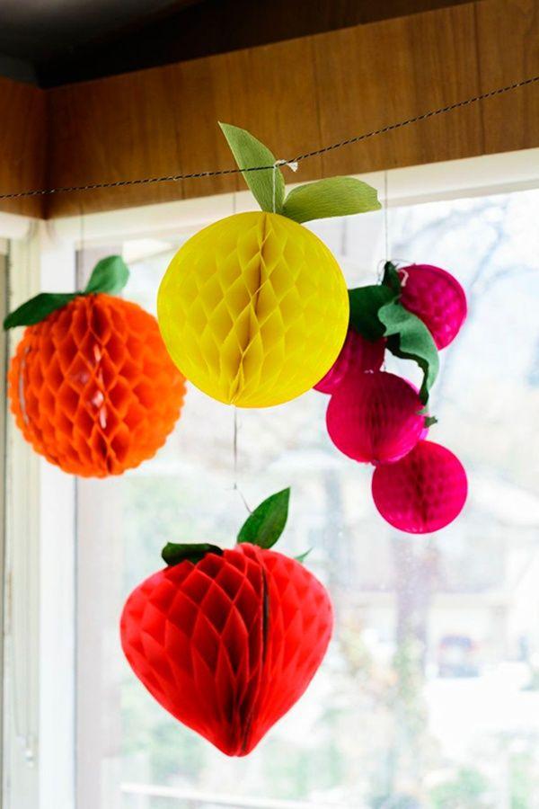 59c0c5311fc85 16 Ideias de enfeites de papel para decorar sua festa! Festa De Frutas