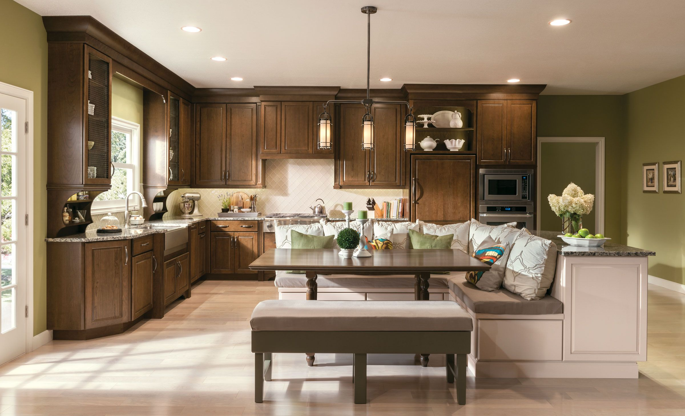 Best This Kitchen Featuring Kraftmaid's New Hazel Stain And 400 x 300