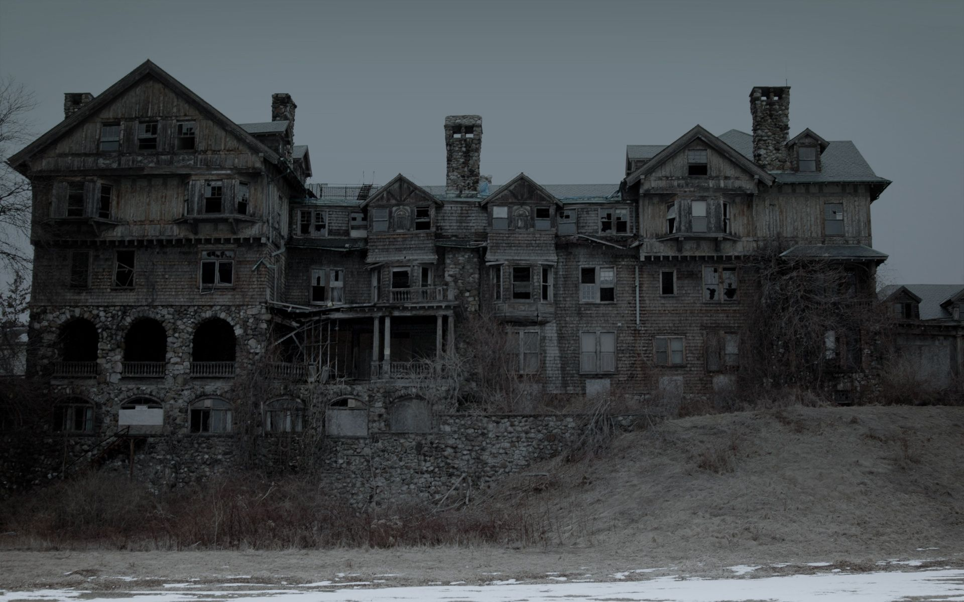 Wallpapers spooky wallpaper house background scenic ghosts pinterest