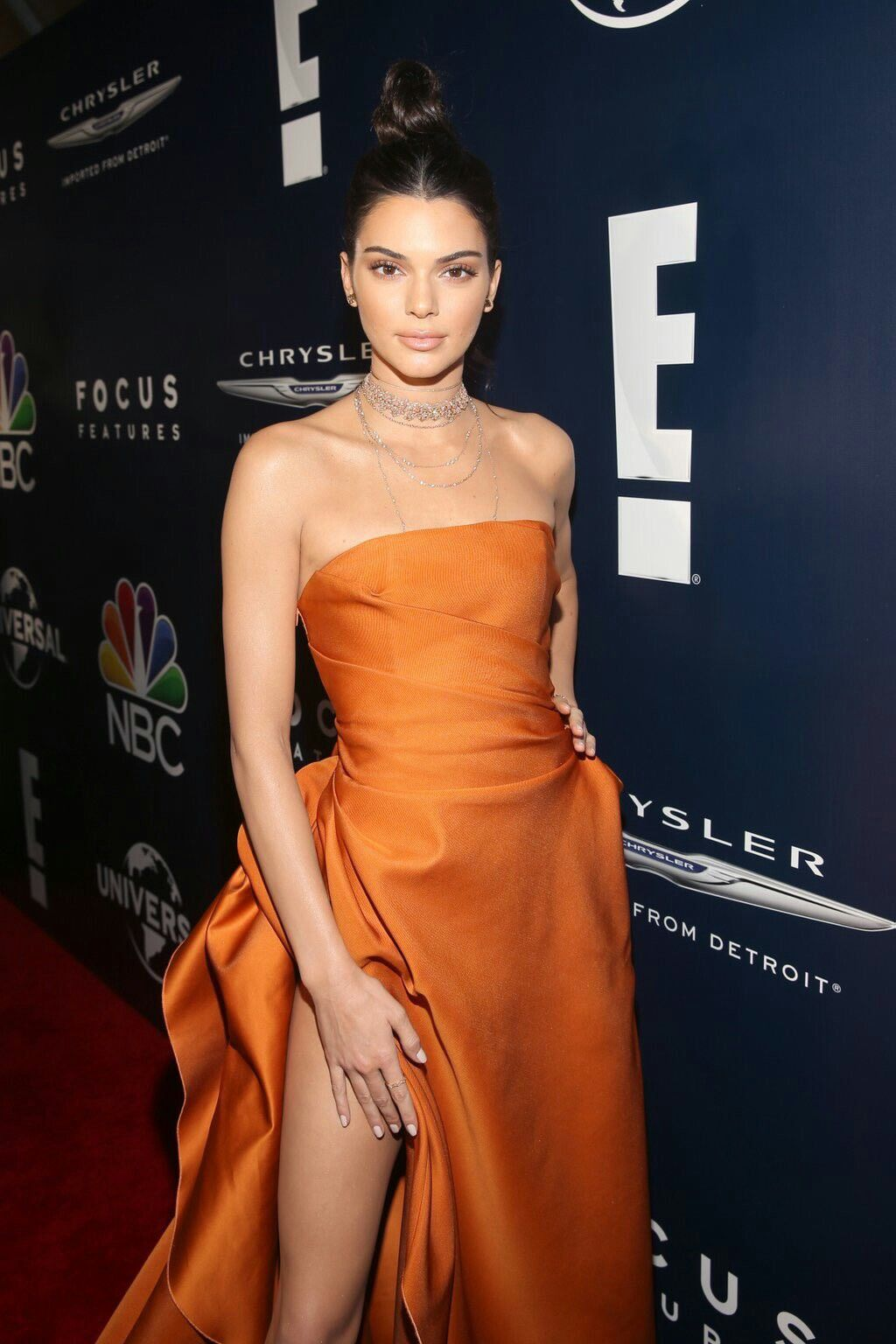 Kendall Jenner | Kendall jenner, Strapless dress formal ...