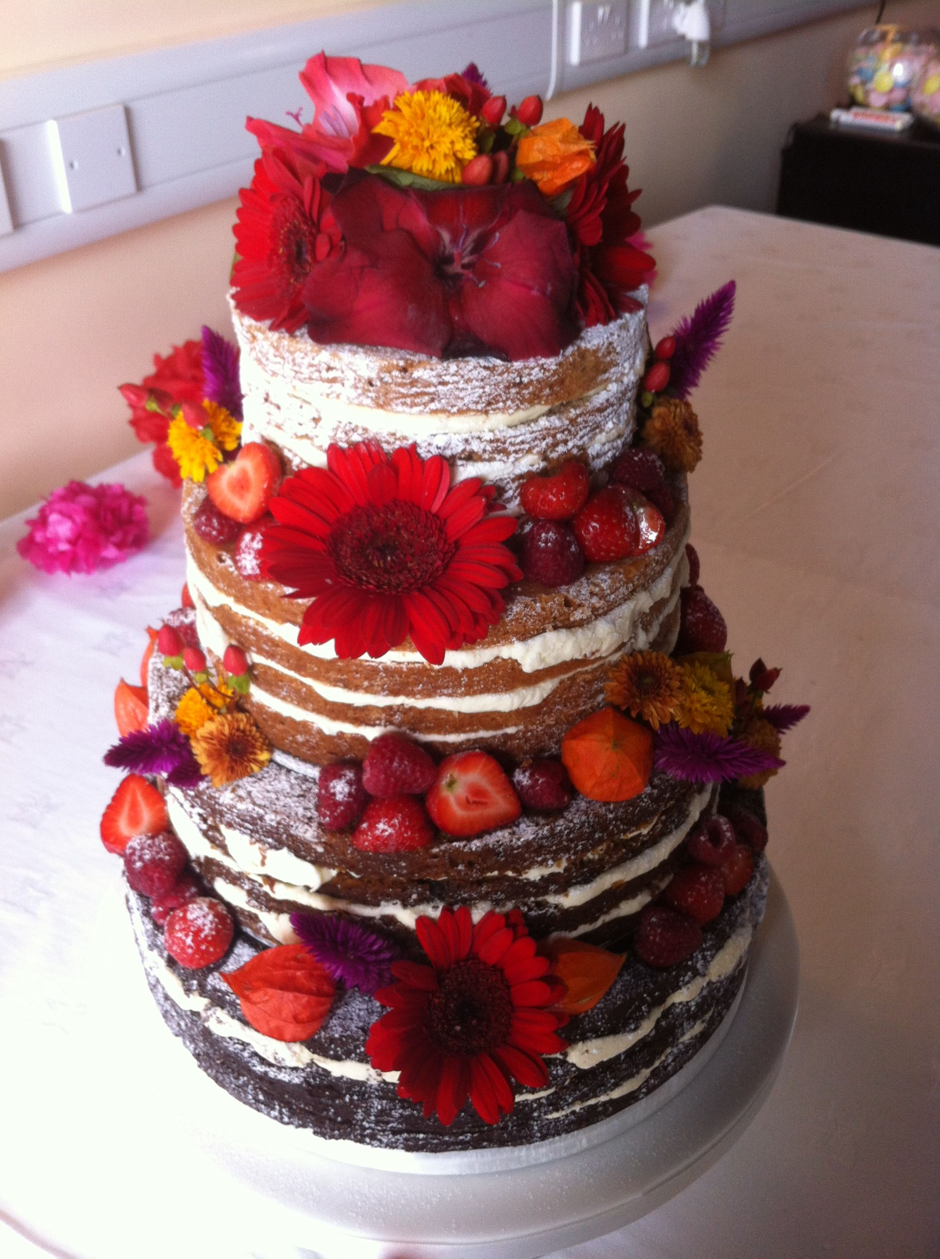 Autumnal wedding cake is could be the one