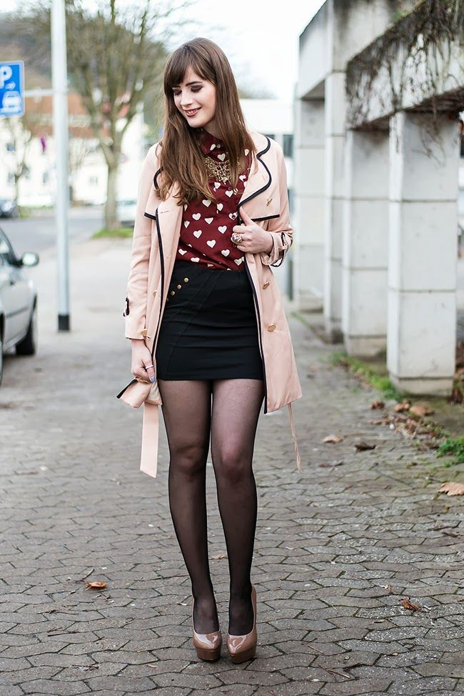 Schwarze Hohe Boots Outfit: Hearts & Nude Colours | Fashion, Trends & Styles