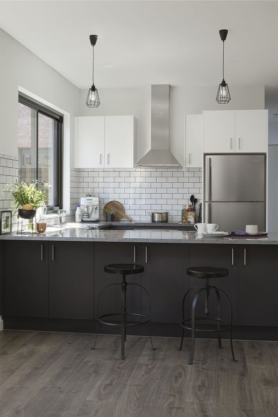 a contemporary industrial style kitchen perfect for a downtown apartment for more inspiration on kaboodle kitchen enoki id=67221