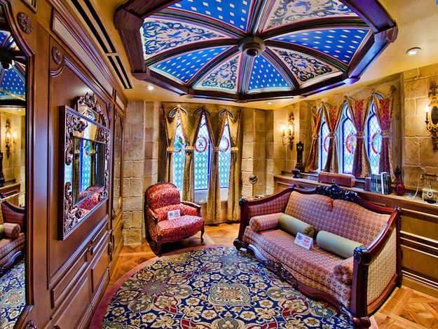 Of The Most Breathtaking Bizarre Themed Hotels Cinderella - Bizarre themed rooms