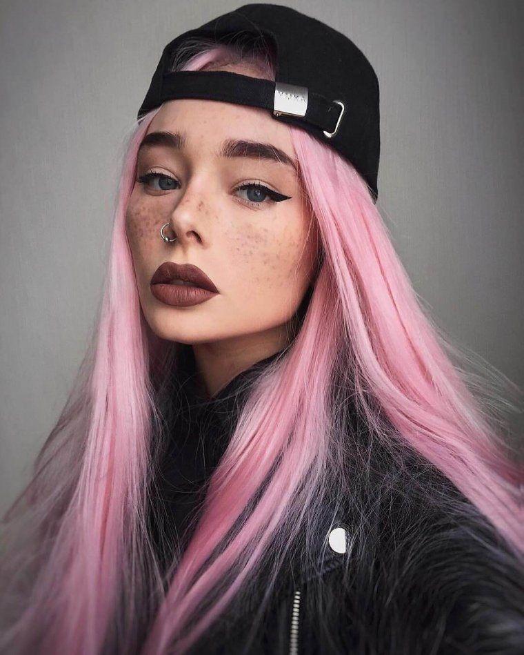 Веб девушка модель розовые волосы модели онлайн с веб камеры