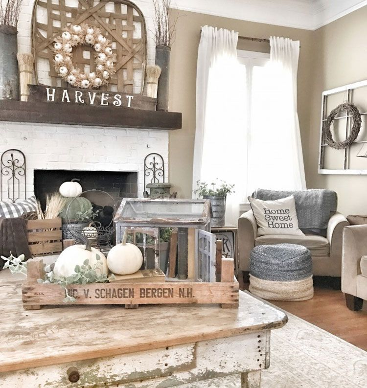 Rustic Farmhouse Living Room With Table Decorations And Wall Hangings Best Living Room Decor Rustic Farmhouse Decor Living Room Rustic Living Room Furniture