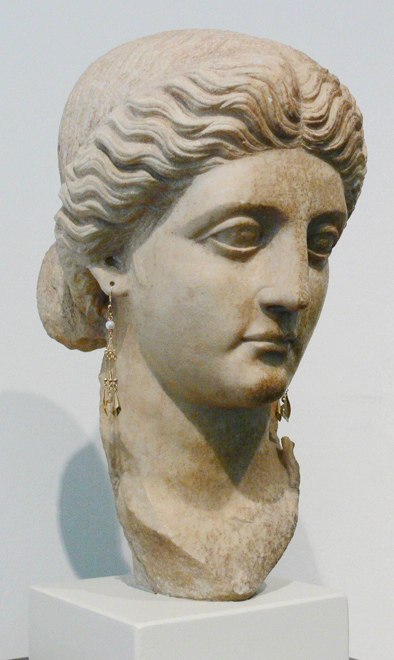 Portrait Einer Romischen Dame Aus Der Julisch Claudischen Kaiserzeit Marmor Schicht Troja Ix Ende 1 Jh V Chr Bis Mi Alte Kunst Antike Skulpturen Romisch