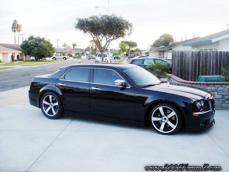 Chrysler 300 SRT8 with Rims Find the Classic Rims of Your Dreams