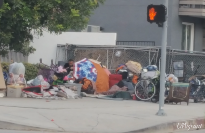 Homeless In Hollywood The Other Side Of The City Of Stars Homeless Road Broke Road In Hollywood Hollywood City