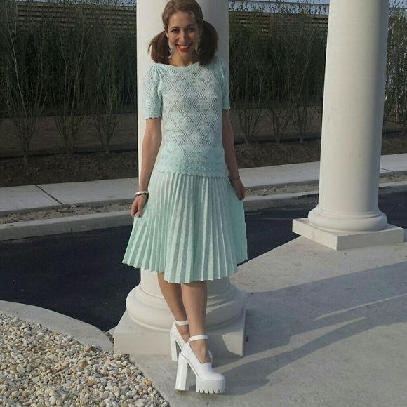 Super Sweet Vintage Pleated Sweater/Skirt Set!