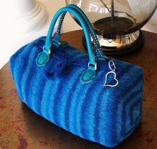 The Felted Boxey Bag .....a KNITTING PATTERN   PDF ♡ by PippsPurses