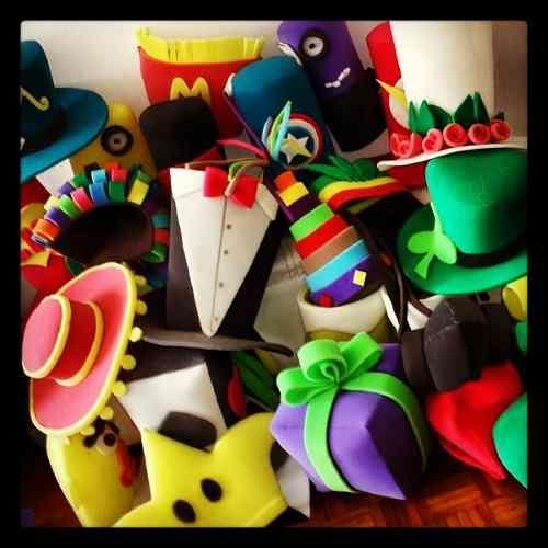 Sombreros De Hule Espuma Para Tu Boda! -   68.00 en MercadoLibre ... c9aae4c60ec