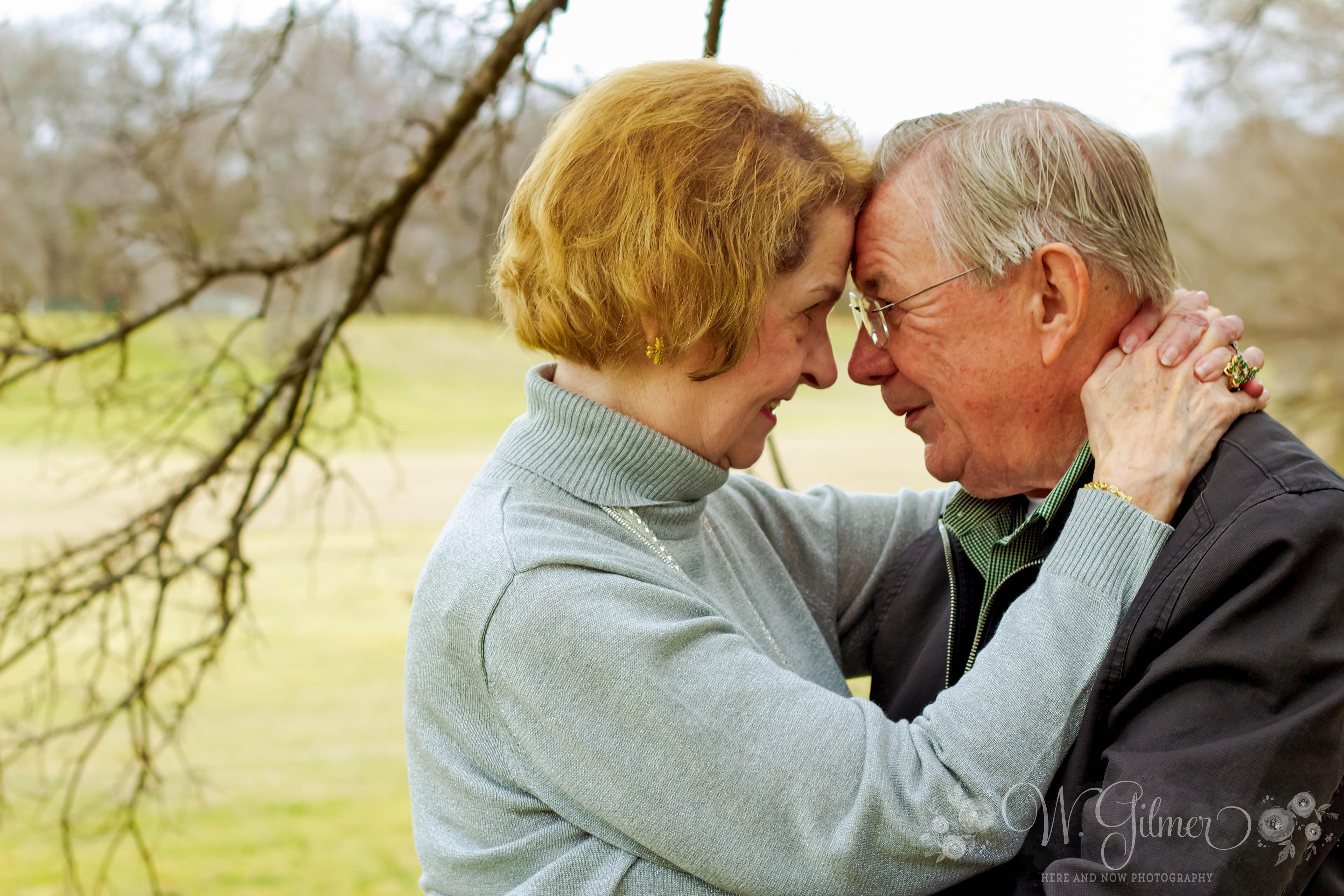 Anniversary photography. elderly couple. couple photography. couple
