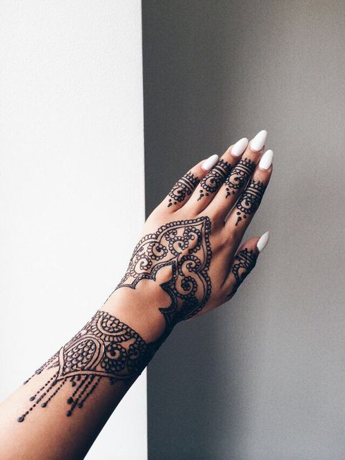 15 Bellísimos Tatuajes De Henna Para Tus Manos Henna Tatuajes De