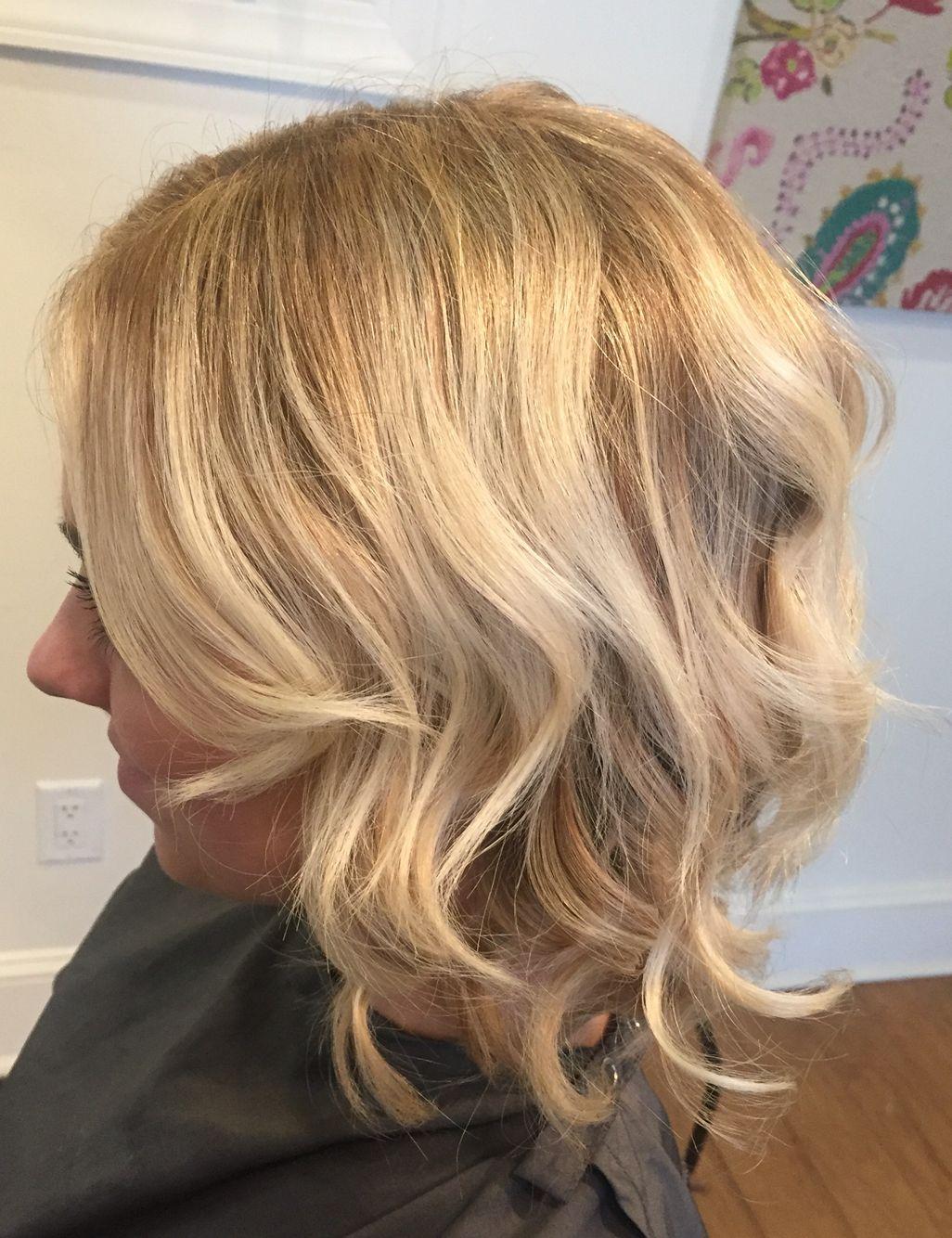 Honey blonde short hair | Short blonde hair, Honey blonde ...