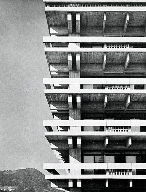 Pingl par nils de sur fun pinterest beton pilier et for Architecture japonaise contemporaine