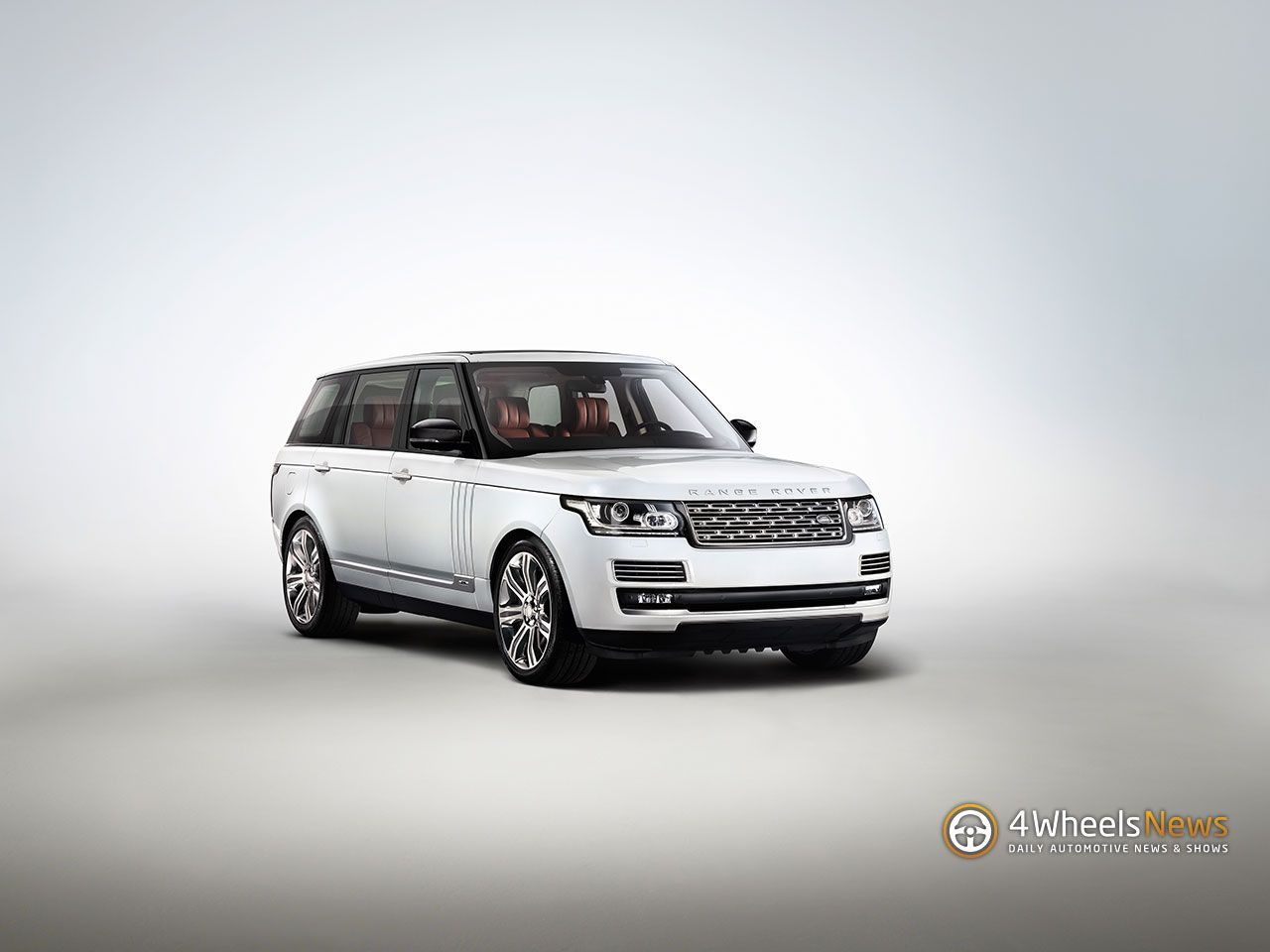 2014 RangeRover Long wheelbase makes its debut http//www